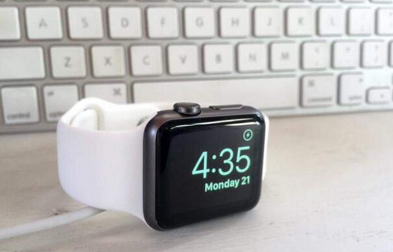 apple-watch-mesa-de-noche-1